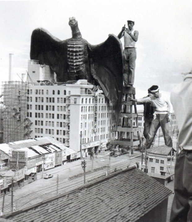 Rodan_-_Behind_the_scenes_1